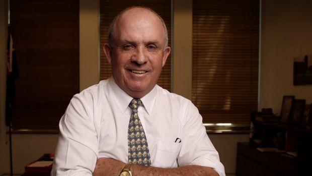 Paul Hogan says tax men are 'mongrels'