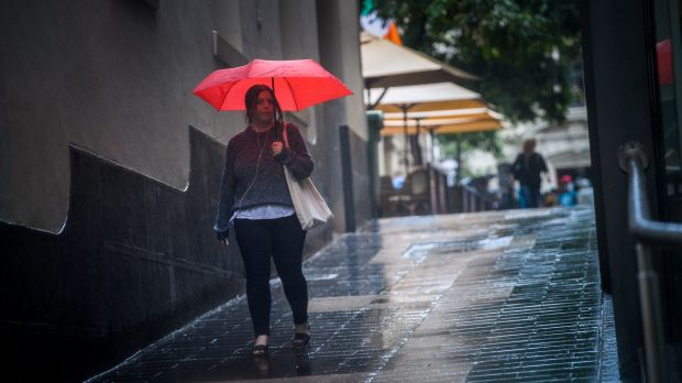 Melbourne experiences its first Autumn rains after a dry spell.