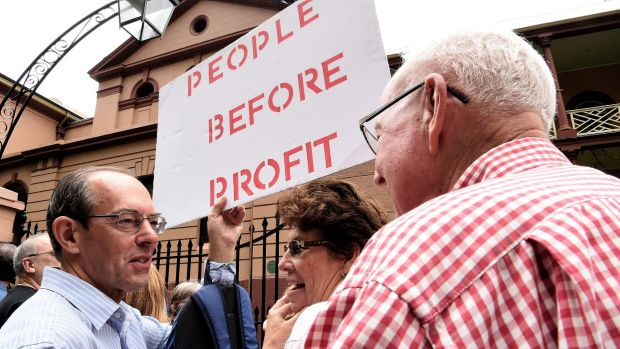Protesters in front of NSW Parliament House demonstrating against the NSW government's privatisation of the Land Titles ...