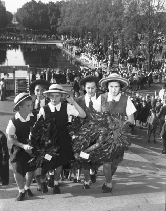 Children take part in the parade and service in Sydney in 1959.