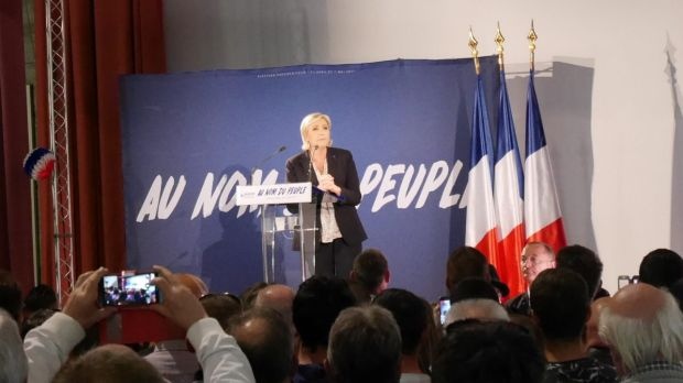 Marine Le Pen rallies the troops in Arcis-sur-Aube.