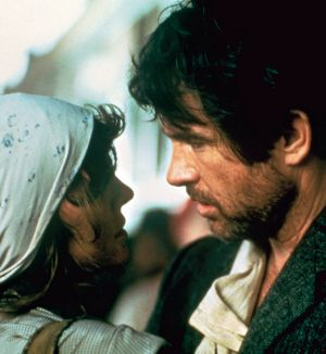 Diane Keaton and Warren Beatty in <i>Reds</i>.