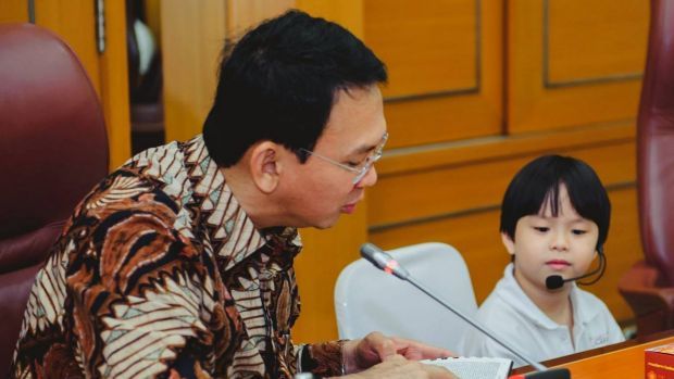 Jakarta governor ahok invokes finding nemo in blasphemy trial defence ahok is interviewed by one of the schoolchildren stopboris Choice Image