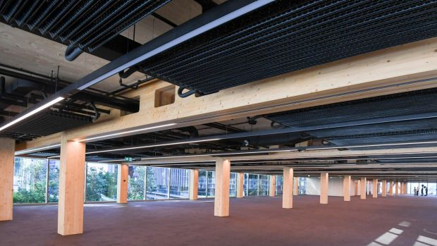 The ceilings have an industrial look with exposed pipes and a new metal airconditioning system that absorbs stale air ...