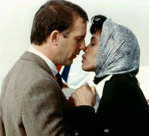 Kevin Costner and Whitney Houston in the film <i>The Bodyguard</i>i.