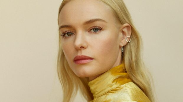 Kate Bosworth's fetchingly mismatched peepers – one blue, one hazel – are among the first things you notice.