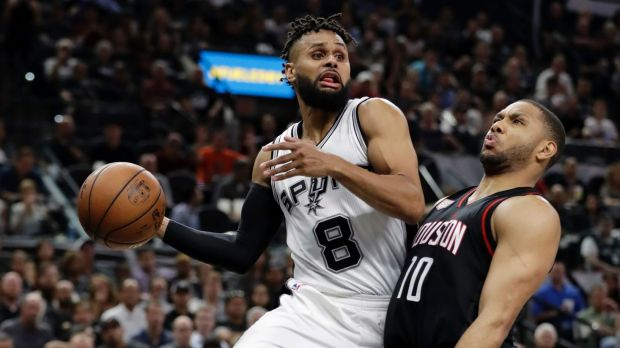 Patty Mills agrees to four-year $50m deal to stay with Spurs