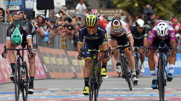 Caleb Ewan sprints to victory in the seventh stage of the Giro d'Italia.