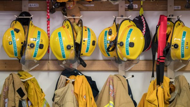 The state government has announced plans to split volunteer and paid firefighters.