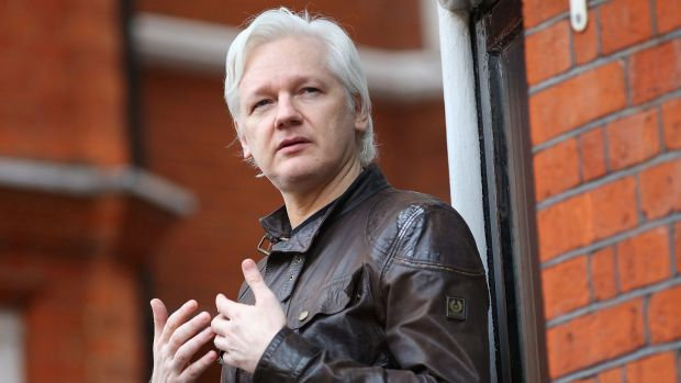 Sweden drops julian assange rape investigation for Julian balcony