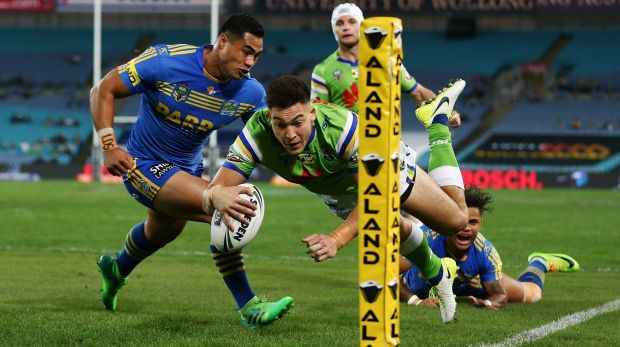 Nick Cotric scores against the Eels.