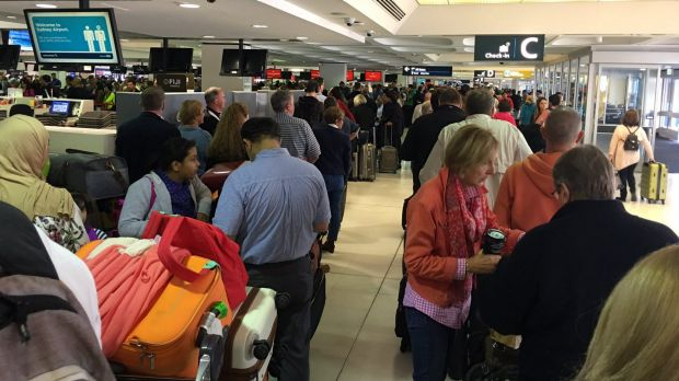 Computer malfunction causes check-in delays at airports