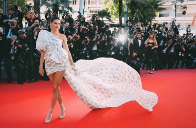 Kendall Jenner wows at the '120 Beats Per Minute (120 Battements Par Minute)' screening,