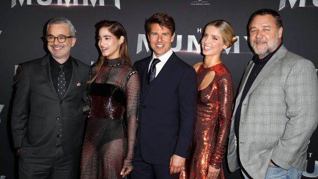 Fimmaker Alex Kurtzman, Sofia Boutella, Tom Cruise, Annabelle Wallis and Russell Crowe at the premiere of The Mummy on ...