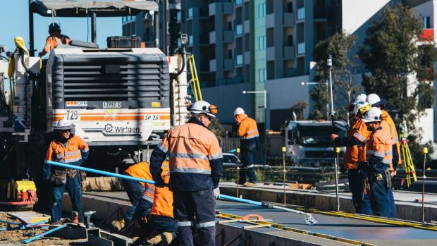 Work on the Canberra light rail is doing a lot of heavy lifting in the ACT economy, according to a new report by Deloitte.