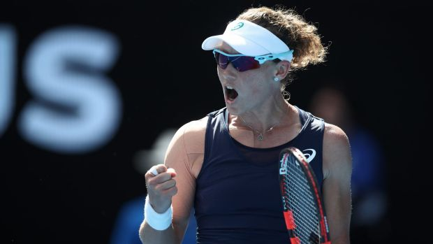 Sam Stosur came from behind to beat Agnieszka Radwanska.