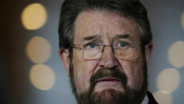 Senator Derryn Hinch has urged Labor and other crossbenchers to act on media laws.