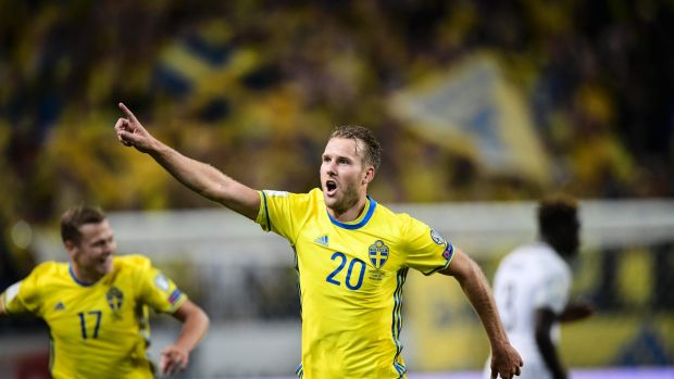 Sweden's Ola Toivonen punishes Hugo Lloris with late 50-yard victor