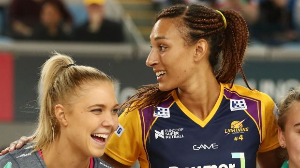 Kate Moloney of the Vixens and Geva Mentor of the Lightning are all smiles before their semi-final.