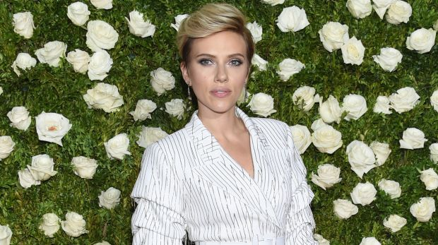 Scarlett Johansson seems to want to keep her relationship with Colin Jost very low-key.