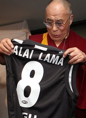 The Dalai Lama received a Collingwood jersey in 2011.