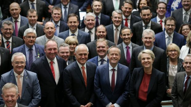 Prime Minister Malcolm Turnbull and Opposition Leader Bill Shorten poses for a photograph with all members of the house ...