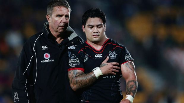 A dislocated shoulder to Issac Luke took some of the gloss off the Warriors' win.