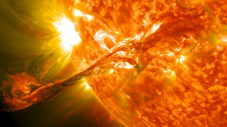 Plasma jet on the Sun - August 31, 2012  https://commons.wikimedia.org/w/index.php?curid=21422679