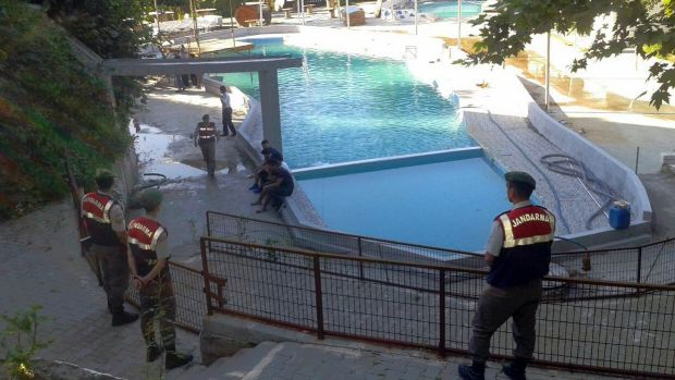 5 people electrocuted in pool at water park in Turkey
