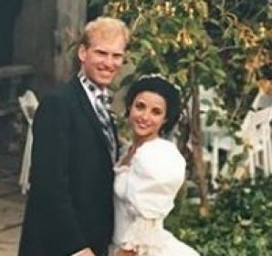To celebrate her 30th wedding anniversary with comedian Brad Hall, Veep's Julia Louis-Dreyfus shared this throwback ...