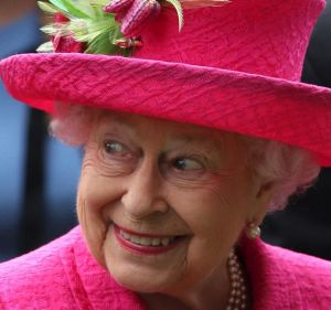 Under a Shorten government, Australians will get to decide whether they want Queen Elizabeth to remain Australia's monarch.