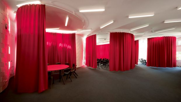 At Fitzroy High School, architects McBride Charles Ryan used heavy wool curtains to create small focused rooms.