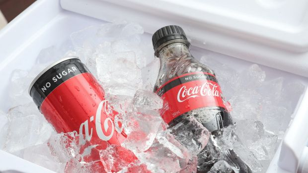 Coca-Cola Amatil has suffered its second blow in two months, losing a major contract with Domino's to Pepsi/Schweppes.