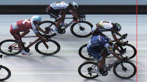 Aru signals Tour ambitions with blistering attack
