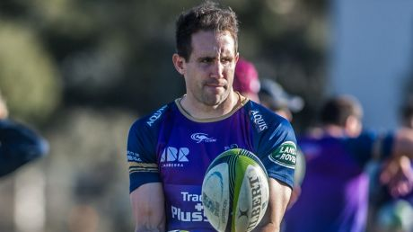 The Brumbies have re-signed  Andrew Smith for another season.