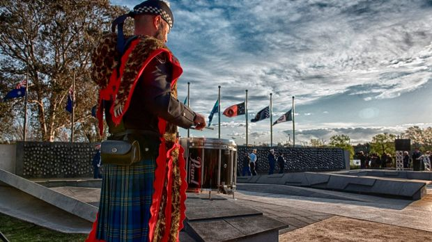 Afp pipes and drums to play royal edinburgh military for Edinburgh tattoo australia
