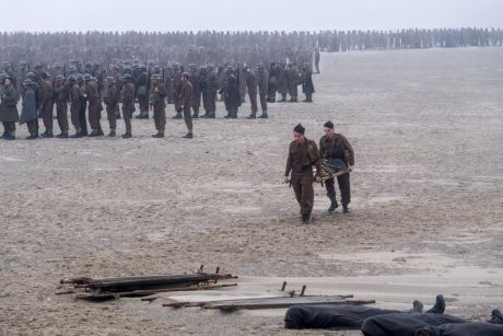 No CGI was used in Dunkirk, instead director Christopher Nolan hired thousands of extras.