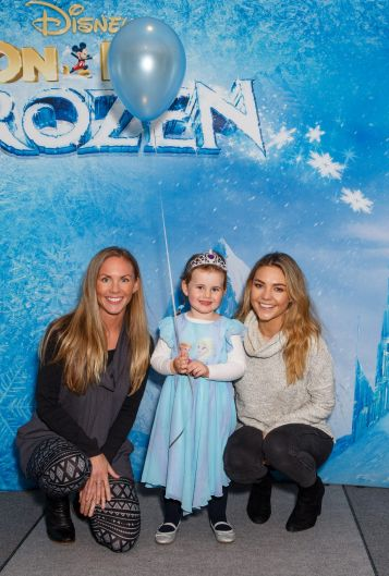 Former The Bachelorette Sam Frost with her sister Kristine Ross and her adorable niece Bridie.