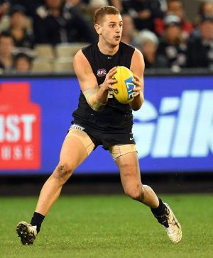 Blues defender Liam Jones has re-signed until the end of the 2019 season.