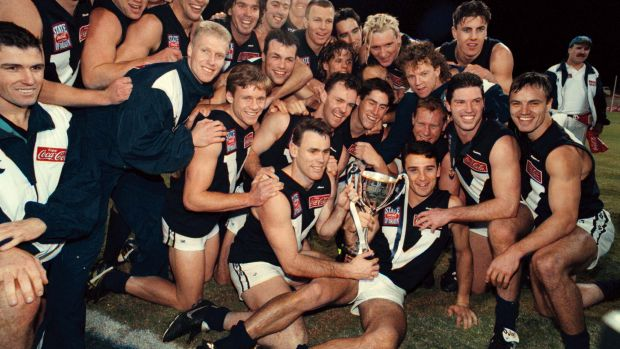 Victoria with the State of Origin trophy in 1998.