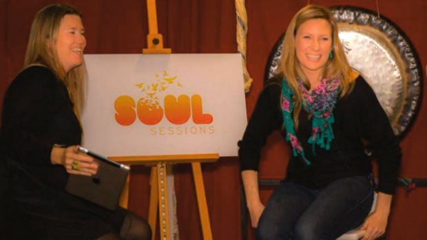 Justine Damond (right) and Eloise King (left) at a Soul Sessions workshop in Sydney.