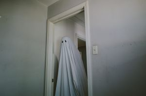 A Ghost Story turns a joke-shop image into something moving.