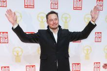 Tesla Motors CEO Elon Musk ditches the suit in favour of a shirt, coat and denim. Still sharp, but far more relaxed.