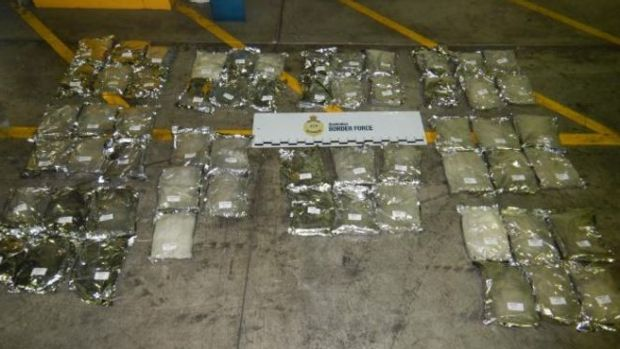 Australian authorities have seized 370 kilograms of ephedrine hidden in a shipping container in Sydney.