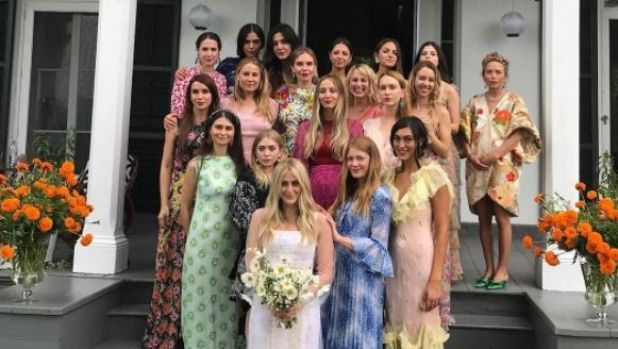 Mary-Kate and Ashley Olsen stood beside their long-time bestie, Gomelsky creative director Cassie Coane, this weekend as ...