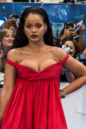 Despite being at the top of her game this year, body shamers can't seem to leave Rihanna alone. But in true RiRi style, ...