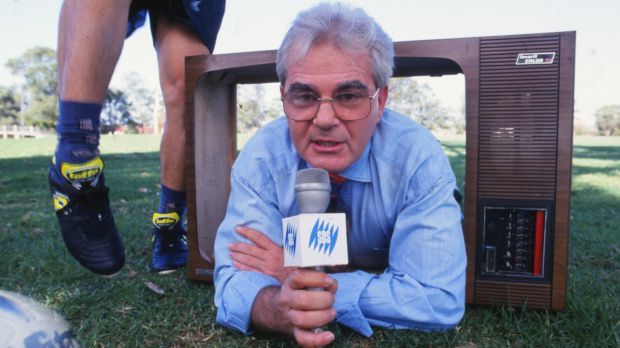 Broadcaster Les Murray has died at the age of 71.