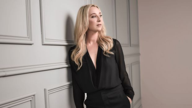 Asher Keddie is pleased her alter ego Nina Proudman is making 'brave choices' in Offspring.