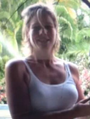 Police have launched a murder investigation after the discovery of a woman's body on Queensland's Cape York Peninsula.