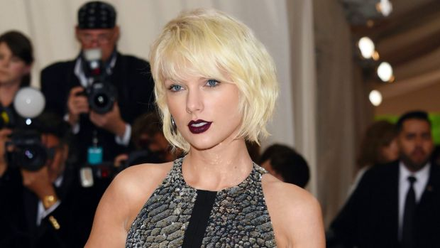 'It was a definite grab ... a very long grab ... it was intentional,' singer Taylor Swift's said of the groping incident.